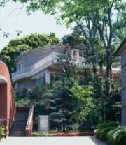 近代文学館